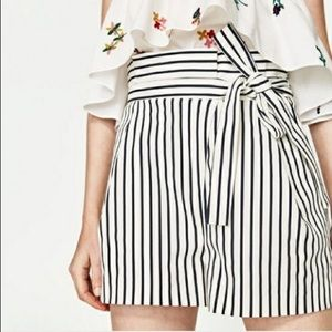 Zara striped paper bag shorts S
